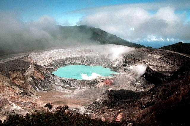 Volcán-Poas